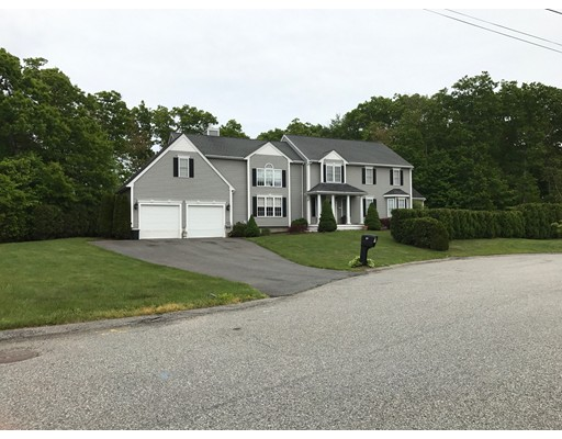 Single Family Home for Sale at 10 Moffitt Avenue Somerset, Massachusetts 02726 United States