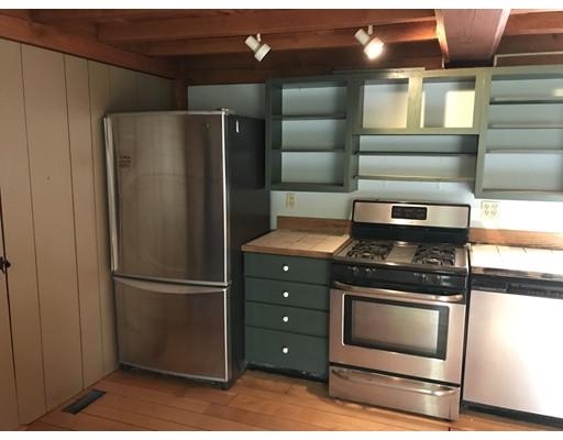 Casa Unifamiliar por un Alquiler en 5 Montague Road Shutesbury, Massachusetts 01072 Estados Unidos