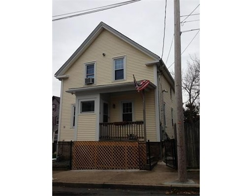 Additional photo for property listing at 10 Durfee Court 10 Durfee Court New Bedford, Massachusetts 02740 Estados Unidos