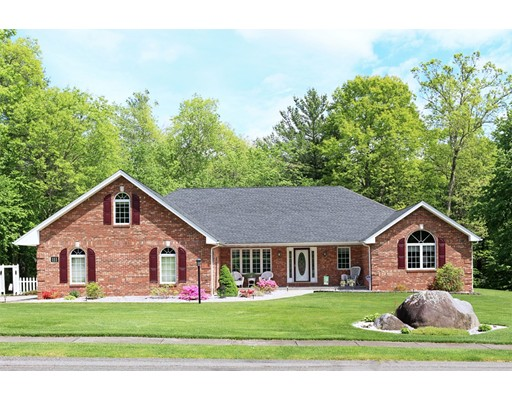 Частный односемейный дом для того Продажа на 111 Southwood Drive Ludlow, Массачусетс 01056 Соединенные Штаты