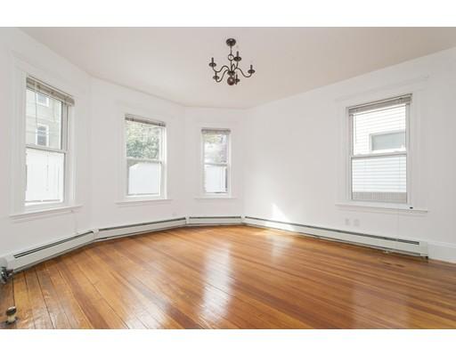独户住宅 为 出租 在 14 E Milton Road 布鲁克莱恩, 马萨诸塞州 02445 美国