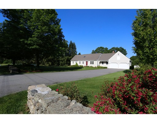 Single Family Home for Sale at 100 East End Road Bolton, Massachusetts 01740 United States