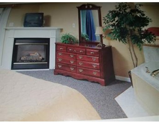 Additional photo for property listing at 241 Grand Avenue  Falmouth, Massachusetts 02540 Estados Unidos