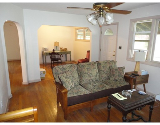 Additional photo for property listing at 18 Laura Keene Avenue  Acushnet, 马萨诸塞州 02743 美国