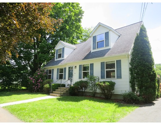 Single Family Home for Sale at 188 North Main Street Sunderland, Massachusetts 01375 United States