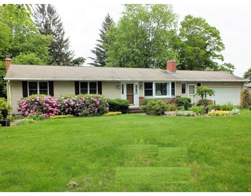 独户住宅 为 销售 在 962 East Street N Suffield, 康涅狄格州 06078 美国