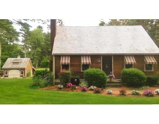 Maison unifamiliale pour l Vente à 40 Tremont Street 40 Tremont Street Carver, Massachusetts 02330 États-Unis