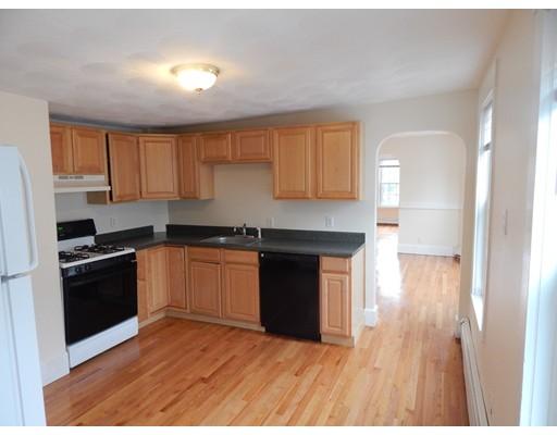 独户住宅 为 出租 在 27 W Wyoming Avenue 梅尔罗斯, 02176 美国