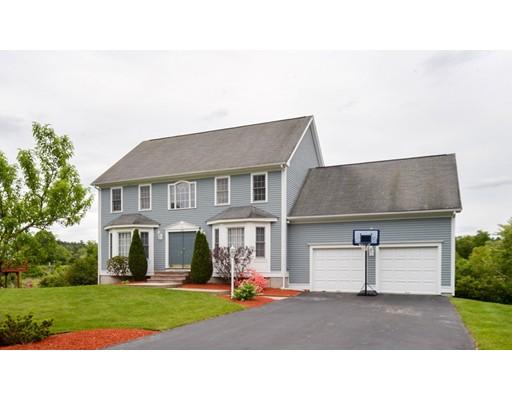 Частный односемейный дом для того Продажа на 105 Hunt Drive Stoughton, Массачусетс 02072 Соединенные Штаты