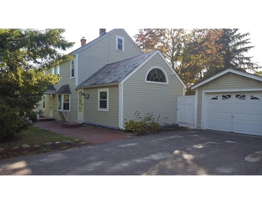 Maison unifamiliale pour l Vente à 384 Pearl Hill Road Fitchburg, Massachusetts 01420 États-Unis