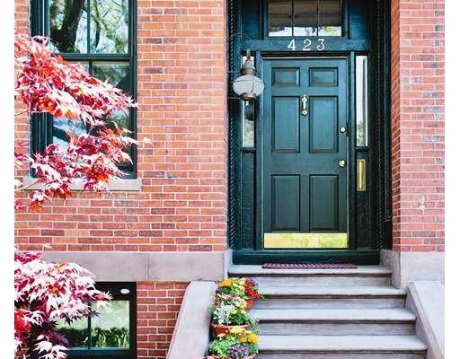 Maison unifamiliale pour l Vente à 423 Broadway Cambridge, Massachusetts 02138 États-Unis