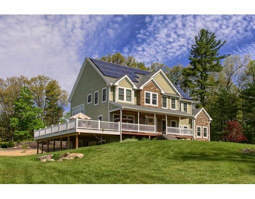 واحد منزل الأسرة للـ Sale في 400 Lancaster Avenue 400 Lancaster Avenue Lunenburg, Massachusetts 01462 United States