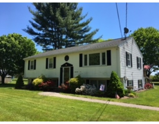 Maison unifamiliale pour l Vente à 69 Union Street West Bridgewater, Massachusetts 02379 États-Unis