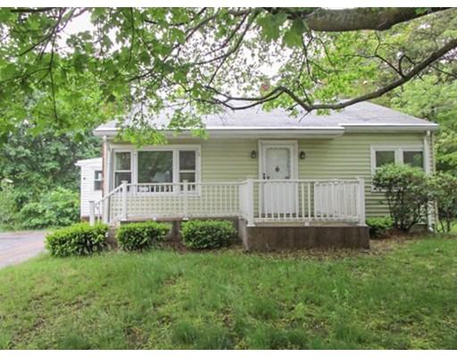Частный односемейный дом для того Продажа на 19 Chester Street North Smithfield, Род-Айленд 02896 Соединенные Штаты