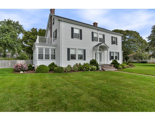 Casa Unifamiliar por un Venta en 39 Grand Avenue Falmouth, Massachusetts 02540 Estados Unidos