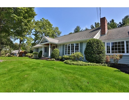 واحد منزل الأسرة للـ Sale في 6 Russet Lynnfield, Massachusetts 01940 United States