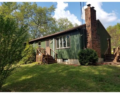 واحد منزل الأسرة للـ Sale في 26 Blanchard Road 26 Blanchard Road Monson, Massachusetts 01057 United States