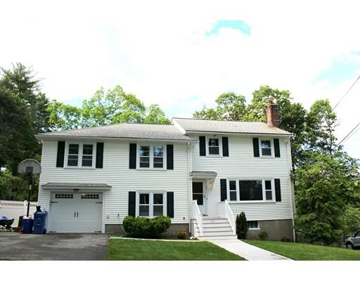 Maison unifamiliale pour l Vente à 61 Converse Street Wakefield, Massachusetts 01880 États-Unis