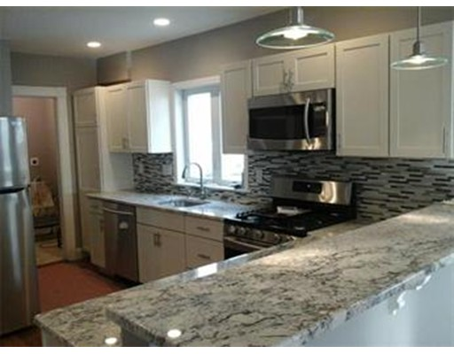 Casa Unifamiliar por un Alquiler en 61 Broadway Arlington, Massachusetts 02474 Estados Unidos