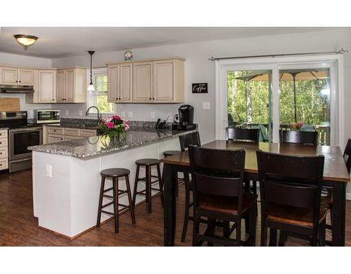 独户住宅 为 销售 在 85 Fisher Street Millville, 01529 美国
