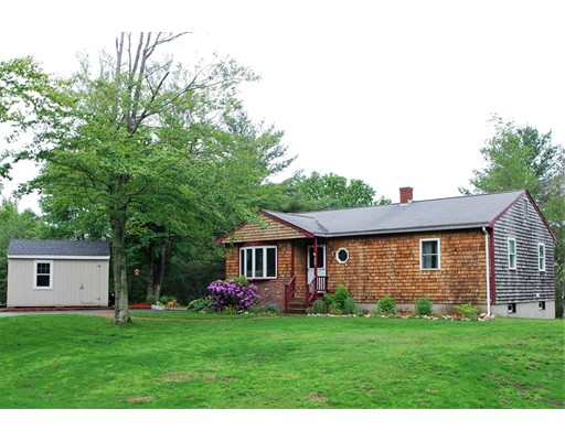 Single Family Home for Sale at 833 Plymouth Street Halifax, Massachusetts 02338 United States