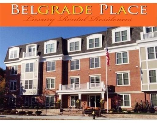Casa Unifamiliar por un Alquiler en 446 Belgrade Avenue Boston, Massachusetts 02132 Estados Unidos