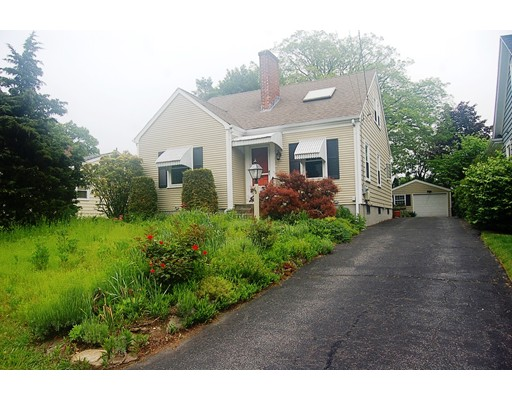 واحد منزل الأسرة للـ Sale في 60 Oswald Street 60 Oswald Street Pawtucket, Rhode Island 02861 United States