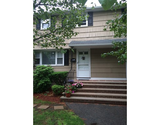 Additional photo for property listing at 5 Charles Road  Winchester, Massachusetts 01890 Estados Unidos