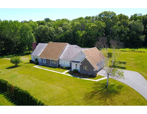 Casa Unifamiliar por un Venta en 30 Christina Gene Circle Cumberland, Rhode Island 02864 Estados Unidos