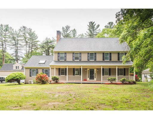 Single Family Home for Sale at 51 Chestnut Street East Bridgewater, Massachusetts 02333 United States
