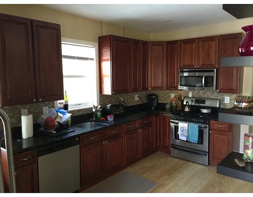 Casa Unifamiliar por un Alquiler en 106 Murdock Boston, Massachusetts 02135 Estados Unidos