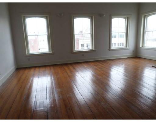 Additional photo for property listing at 37 Main  Taunton, Massachusetts 02780 Estados Unidos