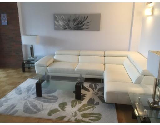 Additional photo for property listing at 9 Hawthorne Place  Boston, Massachusetts 02214 United States