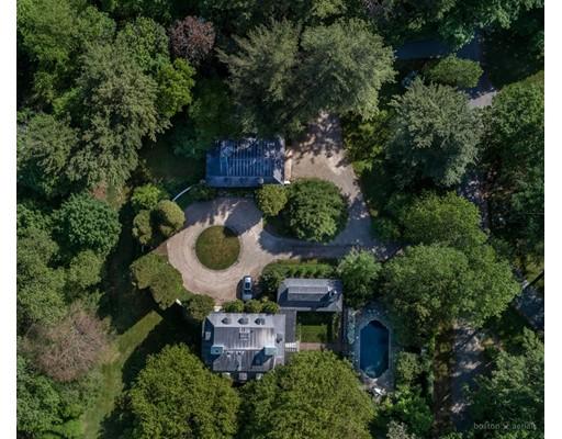 Maison unifamiliale pour l Vente à 1381 Brush Hill Road 1381 Brush Hill Road Milton, Massachusetts 02186 États-Unis
