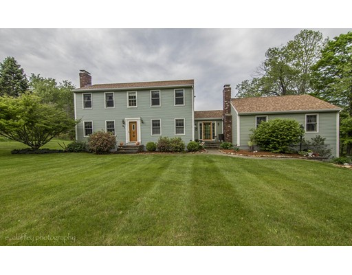 Single Family Home for Sale at 97 Bigelow Street North Brookfield, Massachusetts 01535 United States