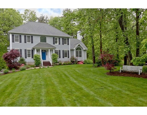 20 WOOD ST, Southborough, MA 01772