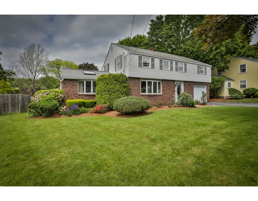 Single Family Home for Sale at 102 Norwich Circle Medford, Massachusetts 02155 United States