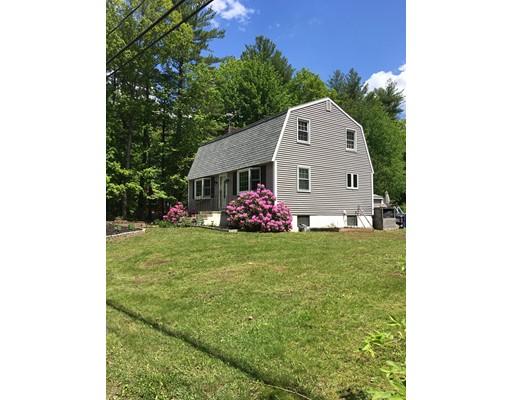 Maison unifamiliale pour l Vente à 29 Mill Road Kingston, New Hampshire 03848 États-Unis