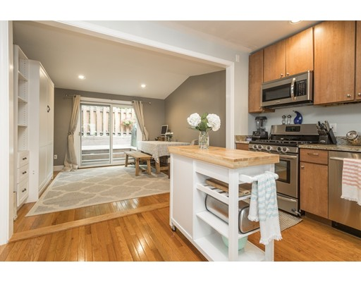 Additional photo for property listing at 12 Dixfield Street  Boston, Massachusetts 02127 Estados Unidos