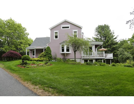25 Pinehill Road, Southborough, MA 01772