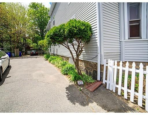 Частный односемейный дом для того Аренда на Beaconsfield Road Beaconsfield Road Brookline, Массачусетс 02445 Соединенные Штаты