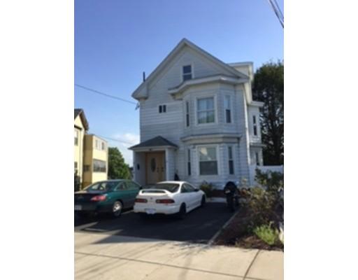 Casa Multifamiliar por un Venta en 25 Webster Street Malden, Massachusetts 02148 Estados Unidos
