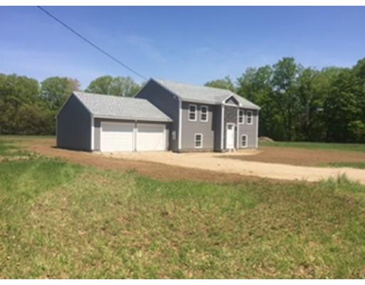 واحد منزل الأسرة للـ Sale في 14 Gunn Road 14 Gunn Road Montague, Massachusetts 01351 United States