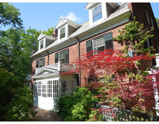 Single Family Home for Sale at 84 Park Slope Holyoke, Massachusetts 01040 United States