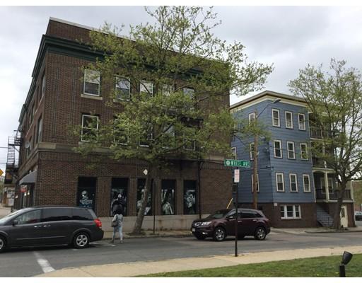 多户住宅 为 销售 在 278 Main street 278 Main street 布罗克顿, 马萨诸塞州 02301 美国