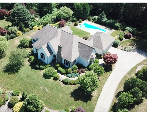 Single Family Home for Sale at 18 Canterbury Lane Amherst, Massachusetts 01002 United States