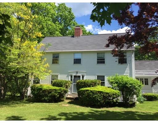 Maison unifamiliale pour l Vente à 96 Sweet Hill Road Plaistow, New Hampshire 03865 États-Unis