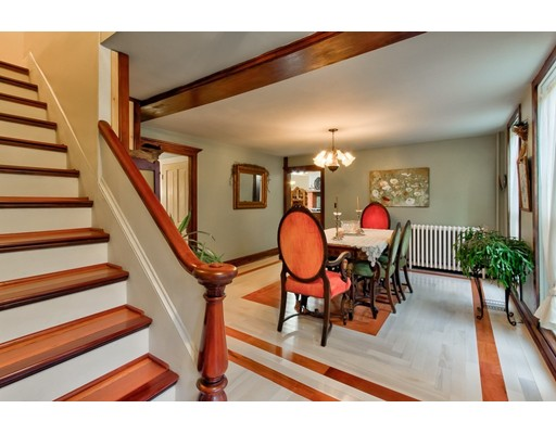 واحد منزل الأسرة للـ Sale في 83 Central Street Millville, Massachusetts 01529 United States