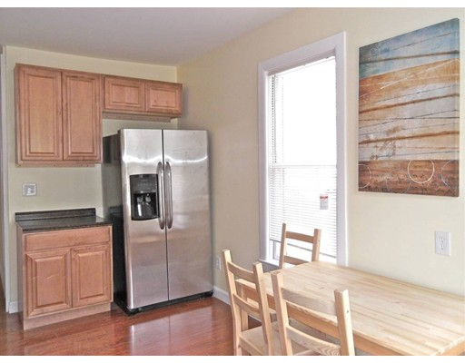 Additional photo for property listing at 37 Quincy  Somerville, Massachusetts 02143 Estados Unidos