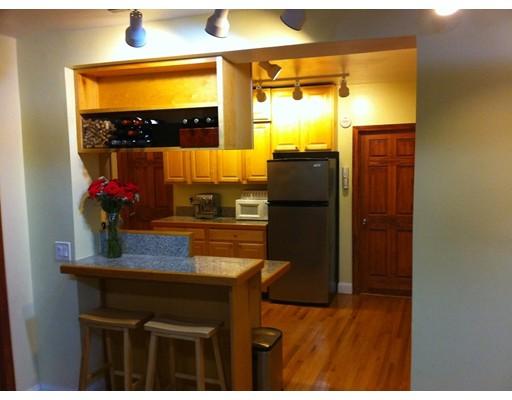 Casa Unifamiliar por un Alquiler en 5 Colliston Boston, Massachusetts 02135 Estados Unidos